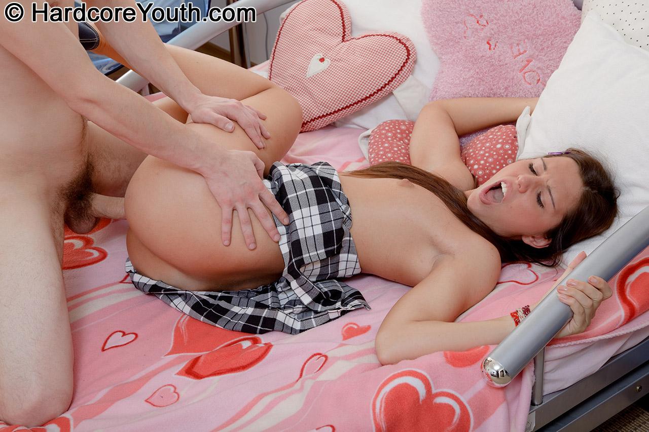 Порнофильм молодые